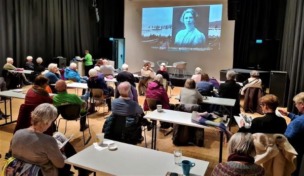 Publikum i Litteratursalen 3.12.20 - foto Viggo Eide